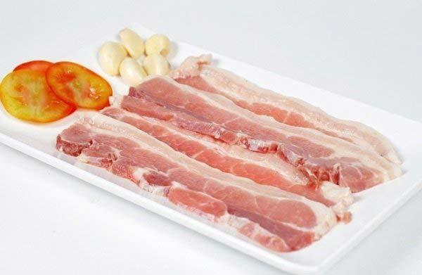 thit-nuong-bang-lo-nuong thịt nướng bằng lò nướng Cách làm thịt nướng bằng lò nướng cực đơn giản và hấp dẫn cach nuong thit bang lo nuong 2 1