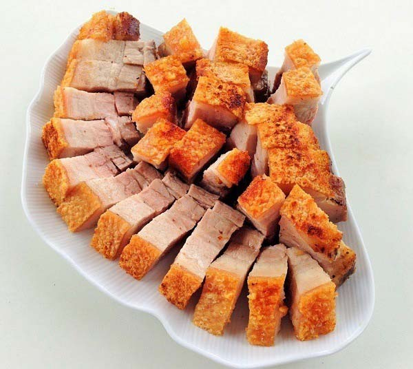 thit-nuong-bang-lo-nuong thịt nướng bằng lò nướng Cách làm thịt nướng bằng lò nướng cực đơn giản và hấp dẫn cach nuong thit bang lo nuong 5 1