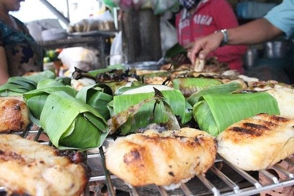 chuoi-nuong-nuoc-cot-dua chuối nướng nước cốt dừa Chuối nướng nước cốt dừa – thức ăn tuổi thơ của người Nam bộ chuoi nep nuong