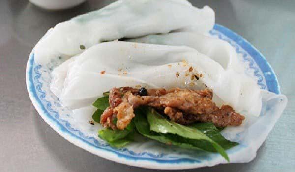 banh-uot-thit-nuong bánh ướt thịt nướng Hướng dẫn làm bánh ướt thịt nướng chuẩn chỉnh vị xứ Huế cuon banh uot thit nuong 1