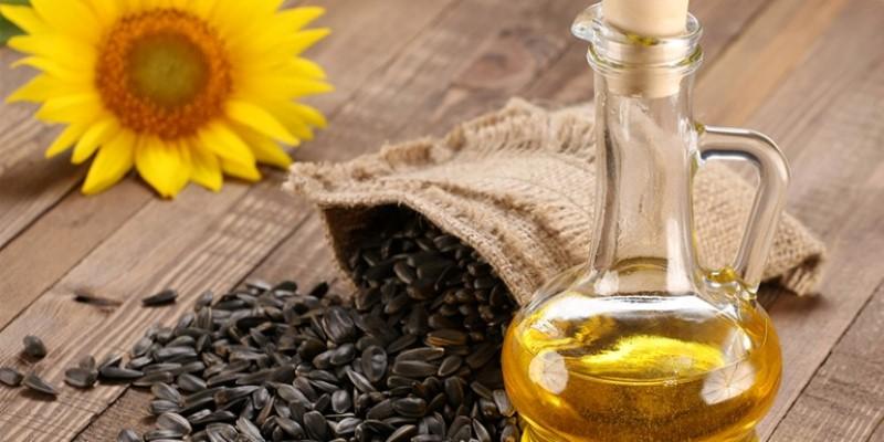 Dầu hướng dương có nên dùng dầu hướng dương Lý giải có nên dùng dầu hướng dương trong nấu ăn hay không dau huong duong