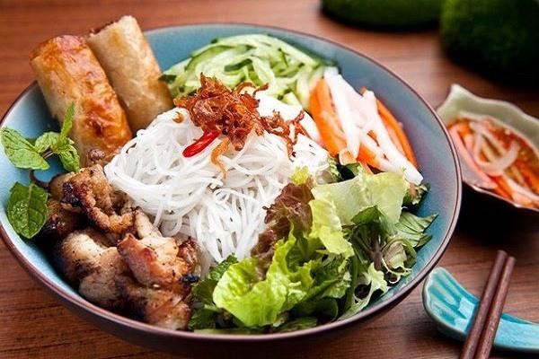 bun-thit-nuong bún thịt nướng Cách làm bún thịt nướng đúng chuẩn vị Hà Nội ngon hết ý hinh mon bun thit nuong
