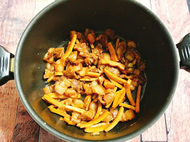 thit-kho-dua thịt kho dừa Tụ tin vào bếp với cách làm thịt kho dừa ngon nức mũi kho thit kho dua
