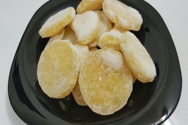 mut-khoai-tay mứt khoai tây Cách làm mứt khoai tây thơm ngon lai rai ngày cuối tuần mut khoai tay vua beo vua thom