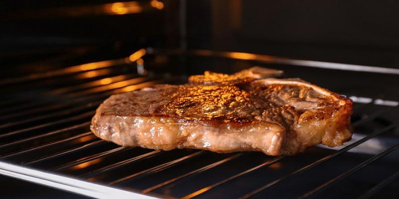 thịt nướng bằng lò nướng Cách làm thịt nướng bằng lò nướng cực đơn giản và hấp dẫn nuong thit bang lo nuong