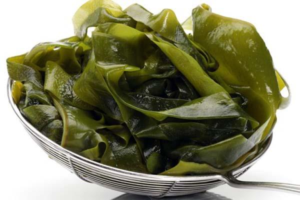 cach-nau-canh-rong-bien canh rong biển Cách nấu canh rong biển thịt bò chuẩn chỉnh vị người Hàn Quốc rong bien sau khi ngam va   thai soi