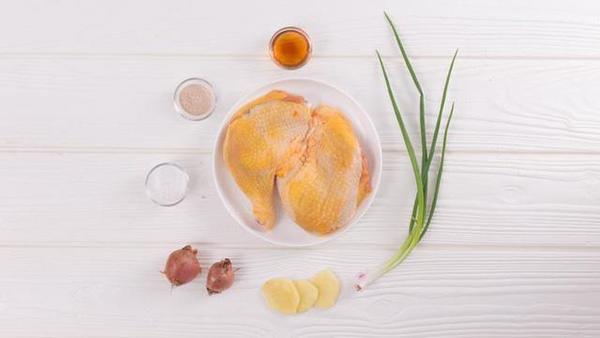 Hướng dẫn cách làm gà kho tiêu thêm đậm đà bữa cơm