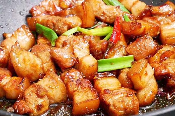 thit-kho-chay-canh thịt kho cháy cạnh Hướng dẫn cách làm thịt kho cháy cạnh đậm đà đưa cơm thit kho chay canh