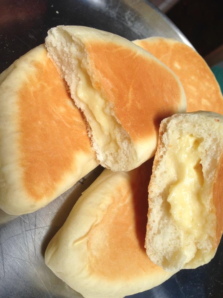 banh-my-nhan-kem-custard