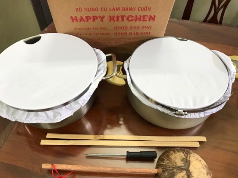Tráng bánh cuốn bằng bộ dụng cụ làm bánh cuốn