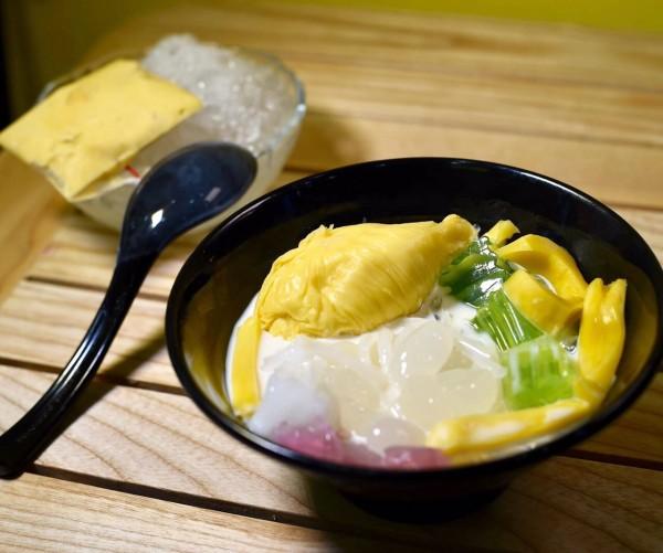 Dừa dầm sầu riêng béo ngậy