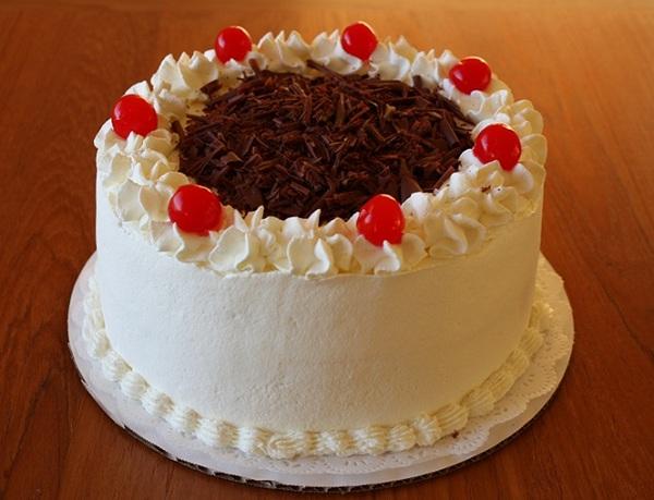Trang trí bánh sinh nhật đẹp bằng kem tươi siêu đẹp
