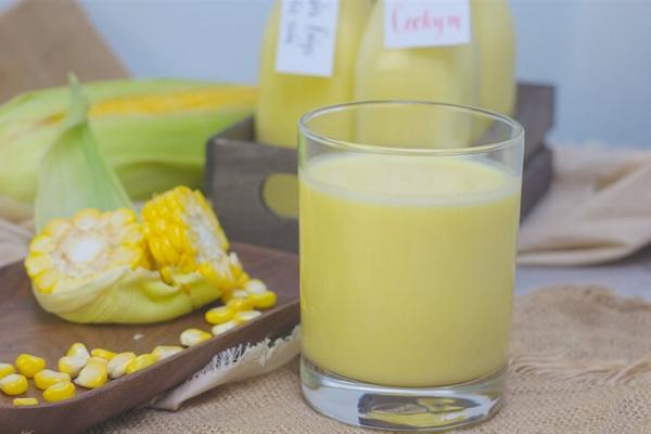 Cách làm sữa ngô non tại nhà ngon sánh mịn