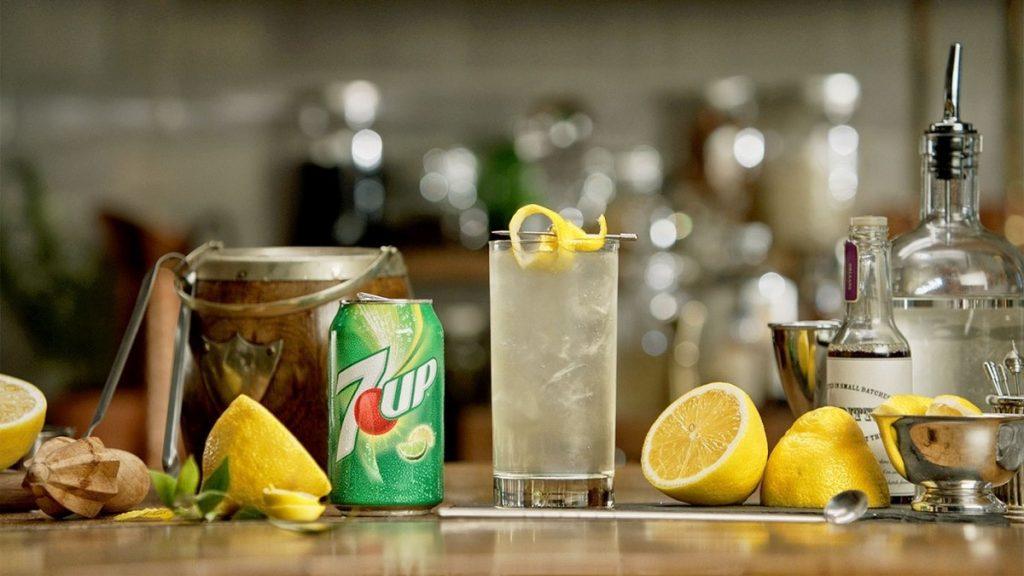 cach-pha-che-soda-7up-chanh-mat-ong cách pha chế soda Cách pha chế soda mix trái cây cho mùa hè rực rỡ sắc màu cach pha che soda 5 1024x576
