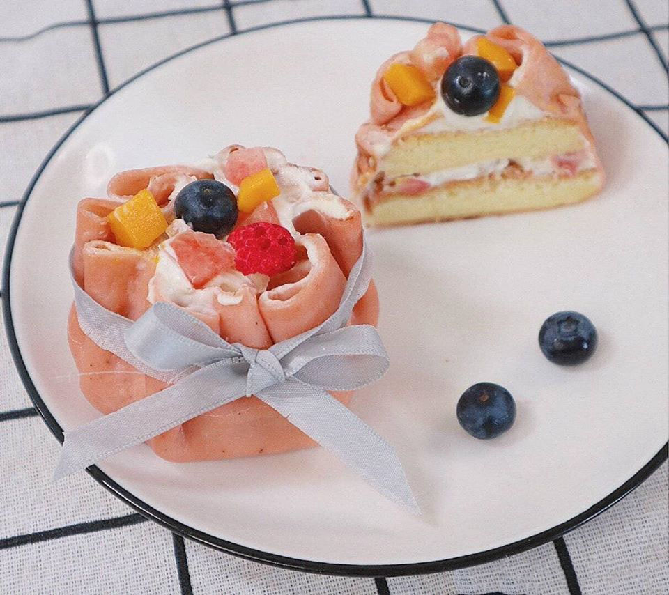 Bánh đào đại phúc biến tấu siêu dễ thương từ bánh crepe trái cây