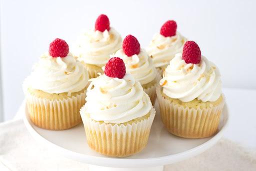 trang trí bánh cupcake