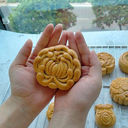bánh làm từ khuôn trung thu teflon