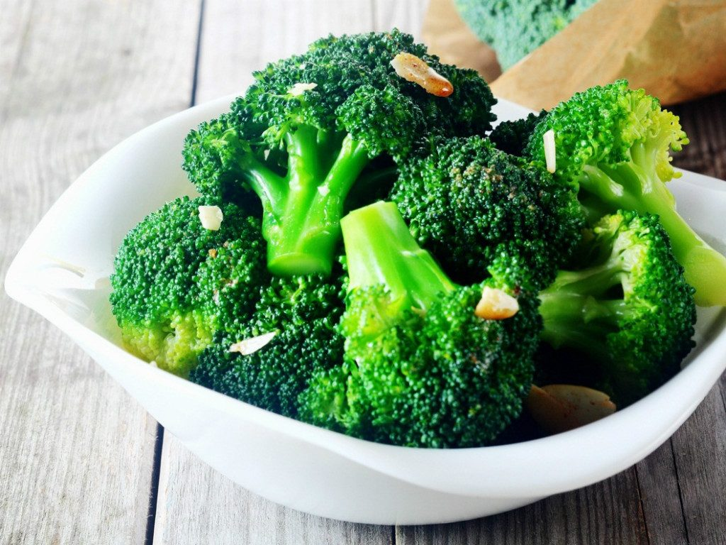 bông cải luộc sẽ là bữa tối healty rất tốt bữa ăn đủ chất dinh dưỡng Bữa ăn đủ chất dinh dưỡng là bữa ăn như thế nào? bua an du chat dinh duong