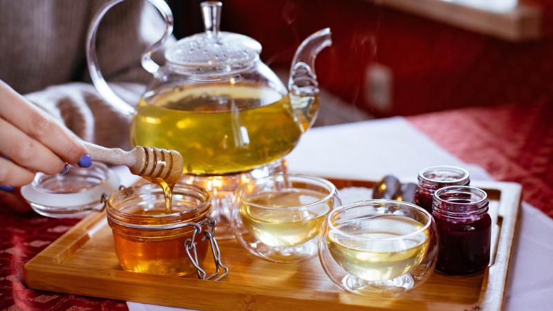 giảm cân bằng mật ong và nước ấm cách giảm cân bằng mật ong Cách giảm cân bằng mật ong cực hiệu quả chỉ sau 1 tuần tac dung cua mat ong