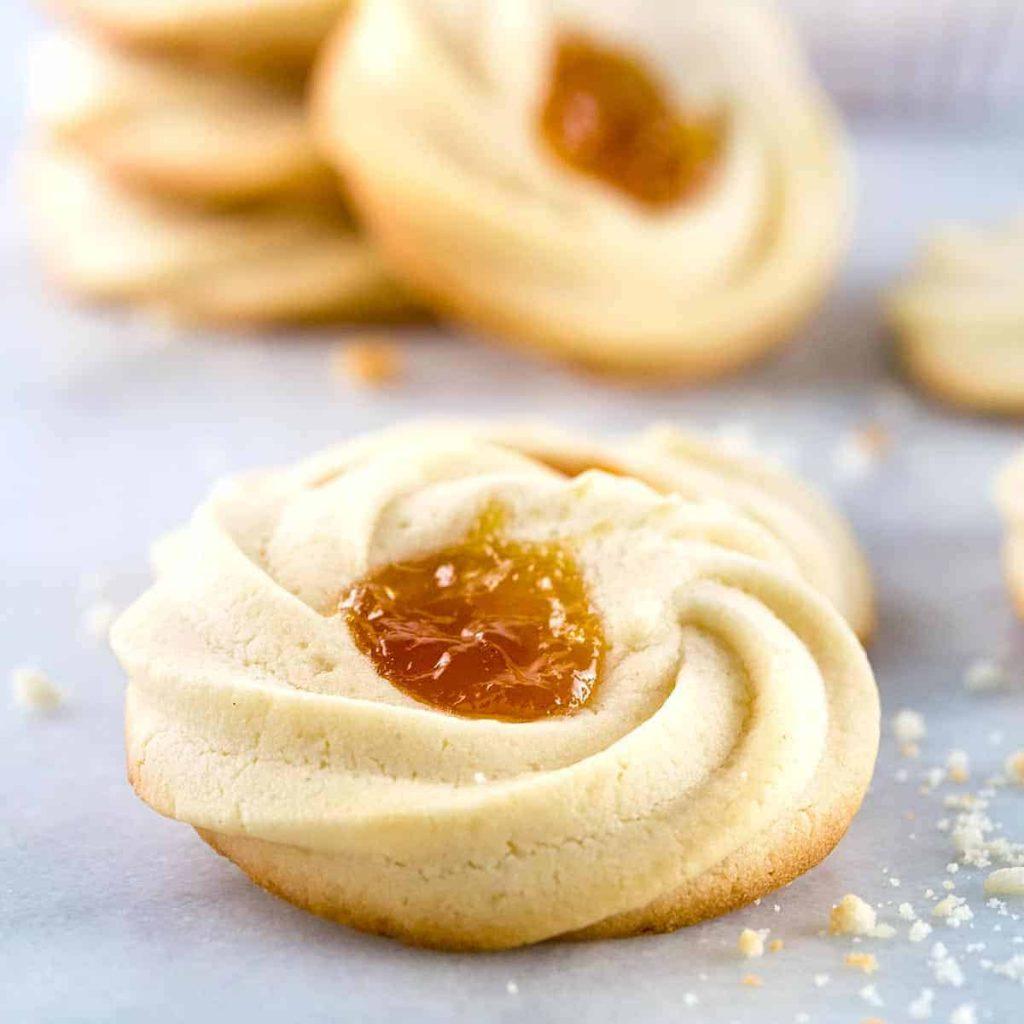 nguyen-lieu-lam-banh-dua nguyên liệu làm bánh dứa Cùng trổ tài làm bánh dứa với nguyên liệu làm bánh dứa cơ bản apricot spitz shortbread cookie 1200 1024x1024