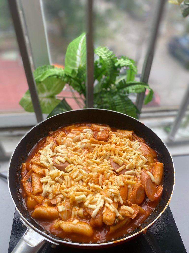 banh-gao-han-quoc bánh gạo hàn quốc Tổng hợp Các loại bánh gạo Hàn Quốc ngon nhất 158642574 1142270272889445 7921145728192699317 n 768x1024